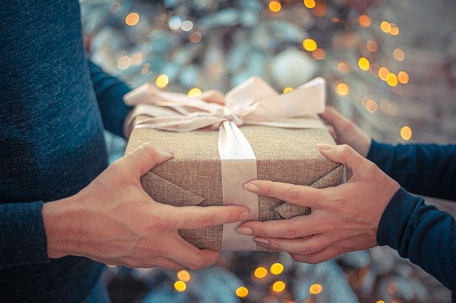 Tech gadgets to give your loved ones during christmas